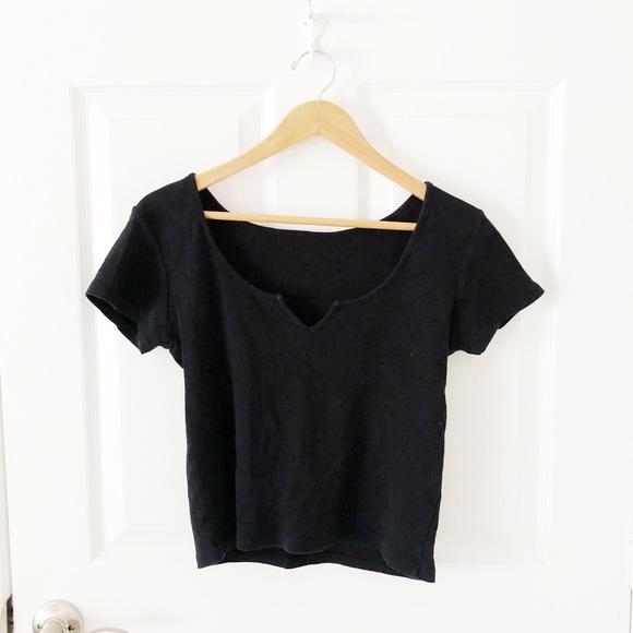 🌿BRANDY MELVILLE J GALT TOP